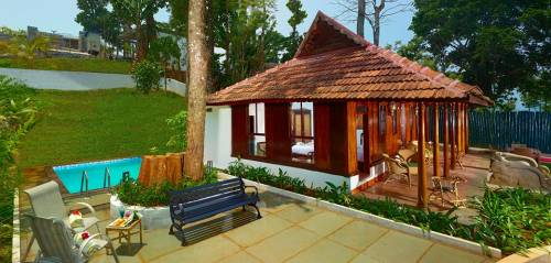 Honeymoon Resorts In Munnar With Plunge Pool